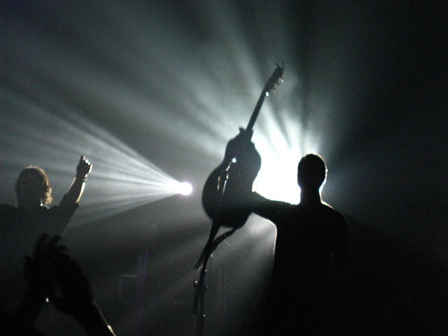 guitar_player_shadow