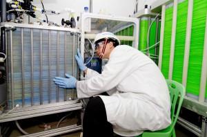 Siemens schließt Forschungsprojekt zur energieeffizienten Meerwasserentsalzung erfolgreich ab: Test im Originalmaßstab als nächster Schritt / Siemens successfully concluded R&D project on low-energy seawater desalination: technology ready for full-scal